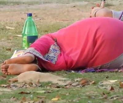 desi molten aunty in park