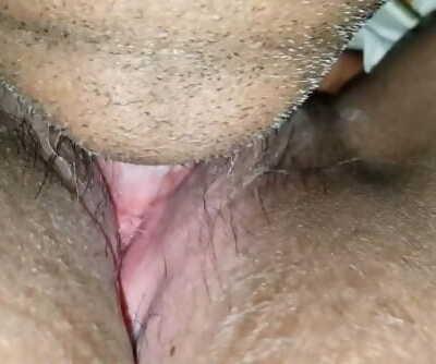 Closeup slurping of beaver of desi indian honey Ritu.mp4