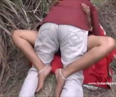 Desi Aunty Caught Nailing Outdoor