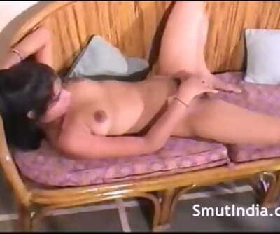 Indian Sadism Stunner Finger-tickling Pussy