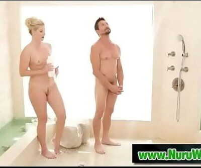 Blonde milf prepare her client for massageIndia Summer & Tommy Gunn 6 min