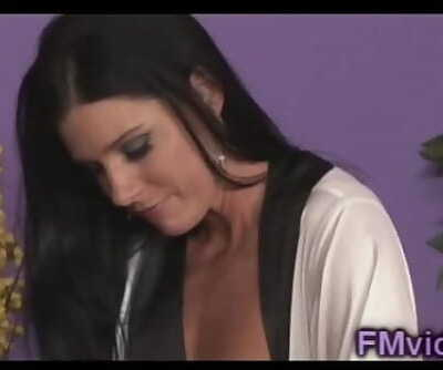 Amazing Mummy India Summer plays with a thick dick 5 min