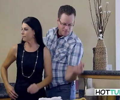 India SummerStep Mom And Son Nail 9 min 720p