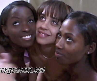 Beverly Hills Ebony Arouses 5 min