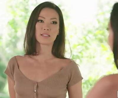 MOMMYS GIRLStepmom India Summer having sapphic sex with Karlee Grey and Kalina Ryu 6 min 1080p