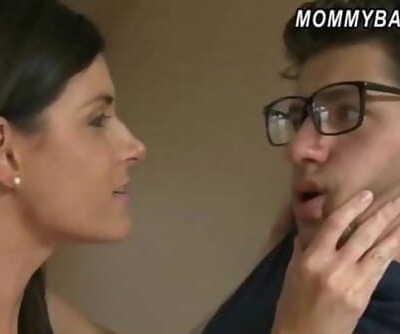 Molten Mummy India Summer horny 3way nailing with Melanie Raine 5 min
