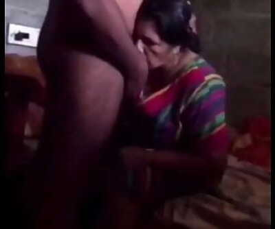 Desi mallu aunty lovemaking with her spouse manmeat 3 min