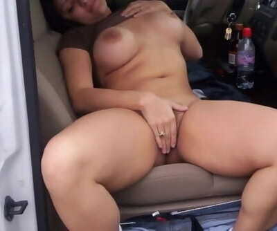 Outdoor Risky Public Hook-up in Car Wih Wife Friend