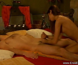 DT Butt-cheeks From Indian Mummy 11 min 720p