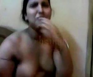 Desi aunty fucking with paramour in front of her maid -..