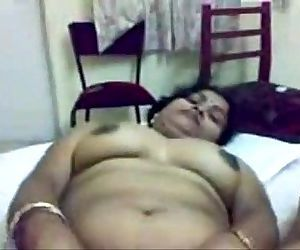Lovely faced oriya woman - 5 min