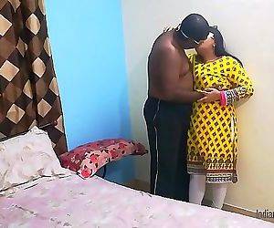 Indian college friend Shanaya aunty call at home and..