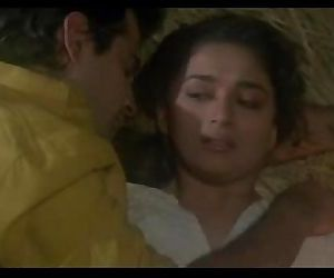 Madhuri Dixit hot sex with Sanjay..