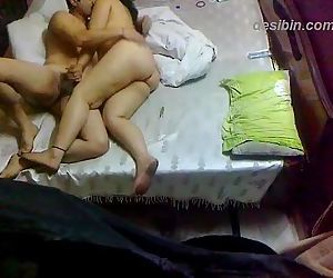 Chubby Indian couple amateur home..