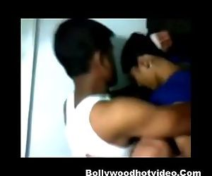 desi indian girlfriend get fucked..