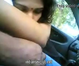 Tamil indian desi blowjob in car..
