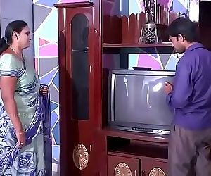 Desi Aunty Romance with cable boy..