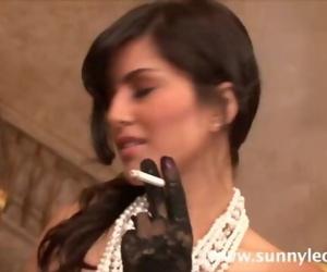 Sunny Leone smoking