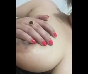 Desi wife boobs