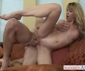Sexy busty mom Desi Dalton gets..