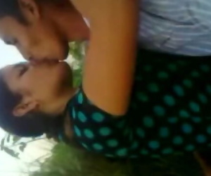 BANGLADESHI - LOVERS Kissing Frnd..