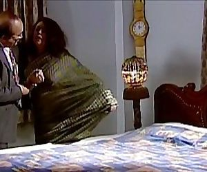 Bengali old aunty hot scense - 3 min
