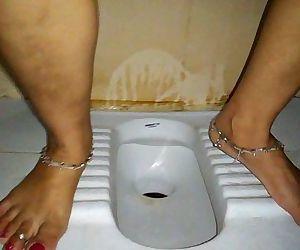 Indian pee - 24 sec