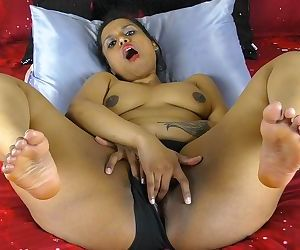 Indian With Big Ass Shoving Dildo In Her Pussy
