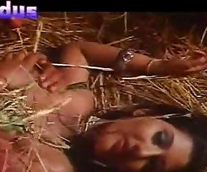 Indian sex movie love makeing outdoor www.desixnx.com - 3 min
