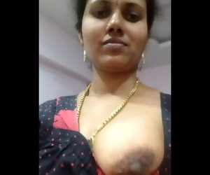 Indian Aunty Big Tits Show