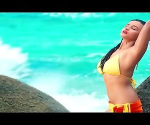 hot-bollywood-actresses-in-bikinietm.mp4