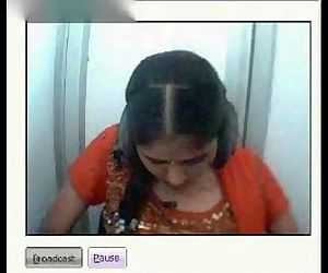Desi girl showing boobs and pussy on webcam in a netcafe - 8 min