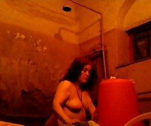Desi mom bathing captured - 51 sec