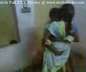 Indian Aunty invited her hubby friend and enjoying - 3 min