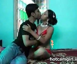 Indian couple honeymoon sex video leaked - 7 min