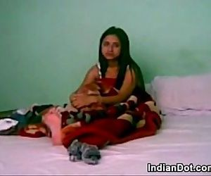 Sweet Indian Girl And Her Boyfriend - 8 min