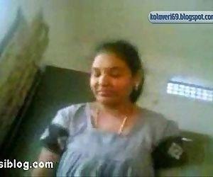 TELUGU PROSTITUTE SUCKING COCK-kolaveri69.blogspot.com - 2 min