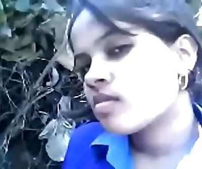Indian sexy school girl hard-sex her bf in outdoor 8 min