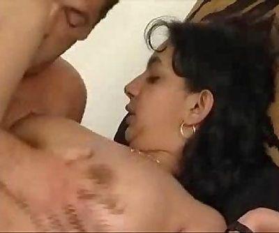 Andhraa Aunty Sucks and Fucks ఆంటీ చీకి..