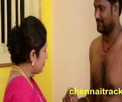 Tamil Aunty Seducing Servant - 2 min