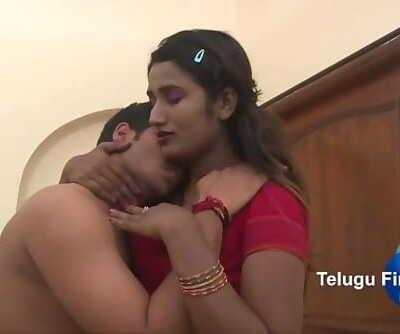 Swathi Naidu hot navel play