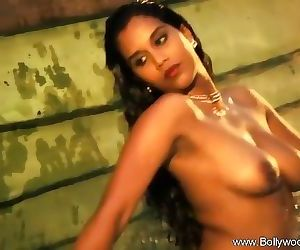 Sexy Indian MILF Loves You