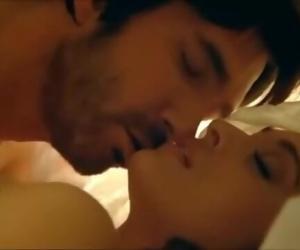 Bollywood Actress Aishwarya Rai Seduction Scene