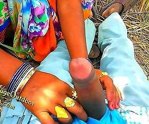 Indian Desi Girl Friend in Open Feilds khet Village Outdoor Sex Sex In Jungal 10 min 1080p
