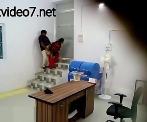 New Gujarati housewife and boss fuckingxvideo7.net 6 min