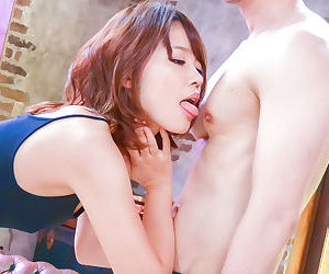 Yura kurokawa sucking on two cocks - part 4465