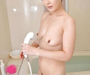 Fuckable asian lady with sexy legs Satoko Aragaki taking bath