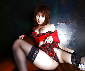 Tempting asian hottie on high heels Akane Sakura flashing her lingerie