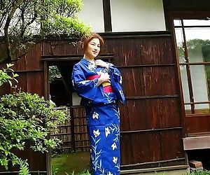 Idol tomomi poses in kimono showing tits and pussy - part 3637