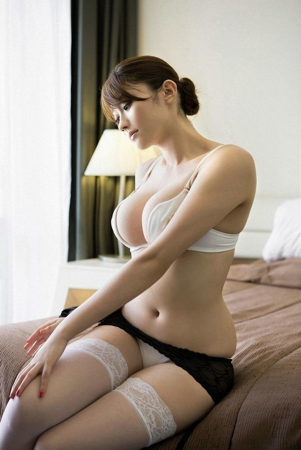 hot-asian-model-4